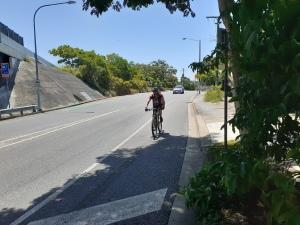 BirdwoodSouthboundOnroadCyclist